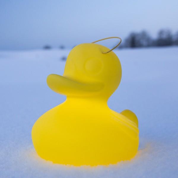 DUCK-DUCK small, kabellose LED Schwimmleuchte 30cm hoch in gelb