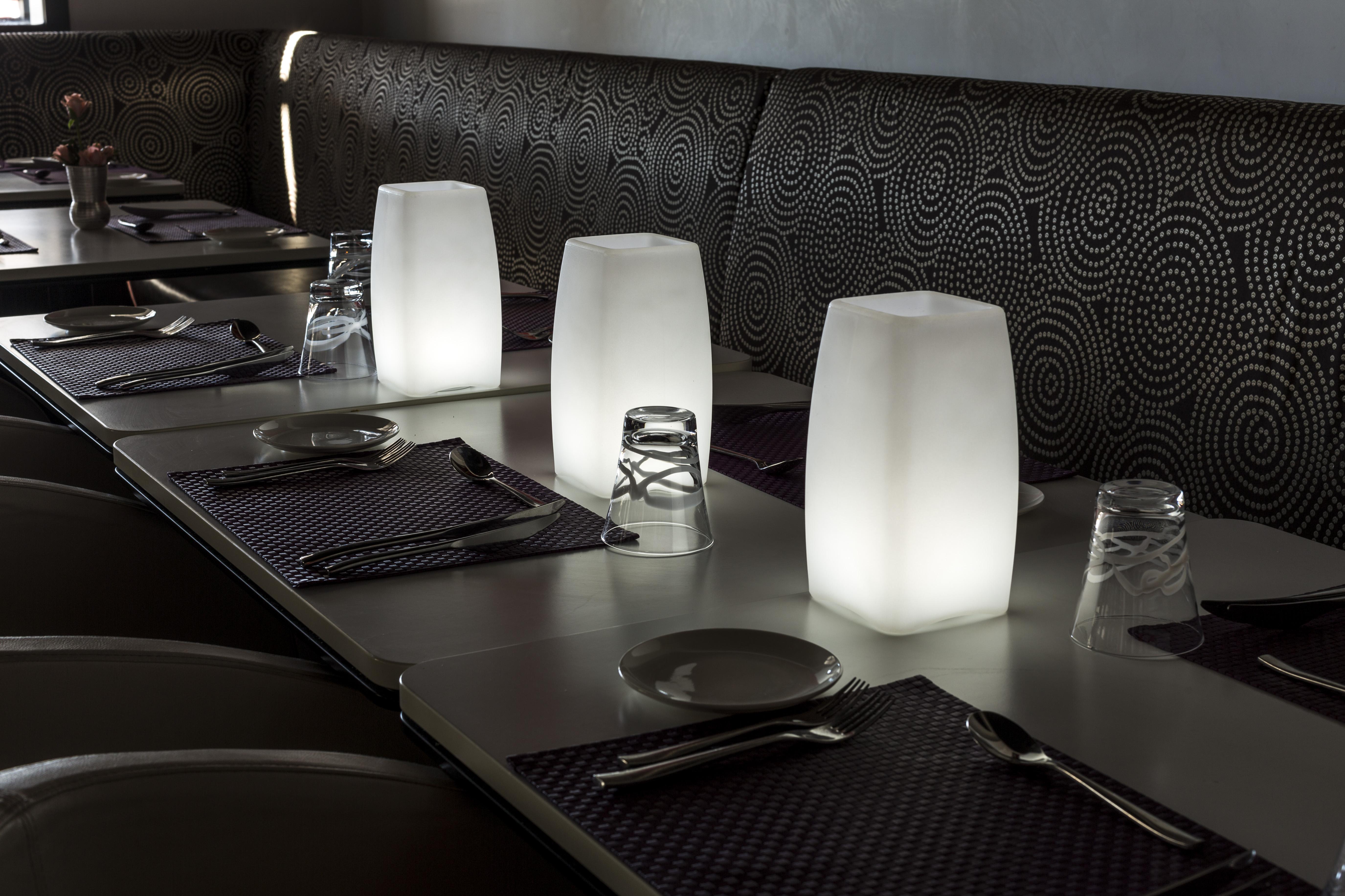 led tischlampe led tischleuchte gastronomie tischleuchte. Black Bedroom Furniture Sets. Home Design Ideas
