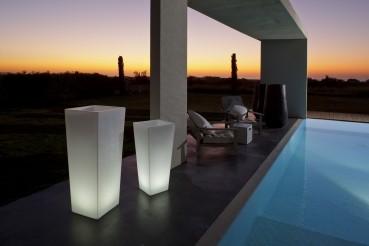 "RUMBA XL LED Pflanzenbehälter 110cm hoch ""App-control"""